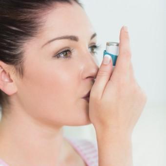 woman-inhaler
